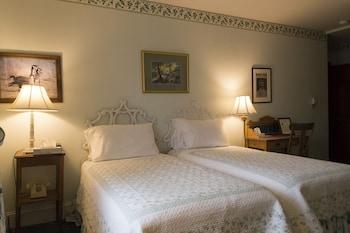 Room, Private Bathroom (The Mark Twain - Room 2)