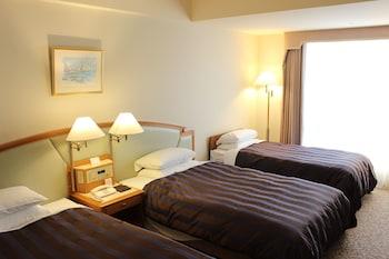 トリプルルーム(禁煙) シングルベッド2つとエキストラベッド1つ|33㎡|呉阪急ホテル
