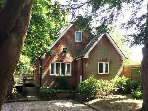 . Ebury Cottages & Apartments