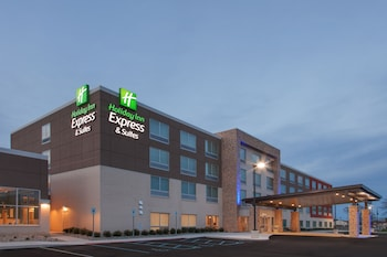 Hotel - Holiday Inn Express and Suites Detroit/Sterling Heights