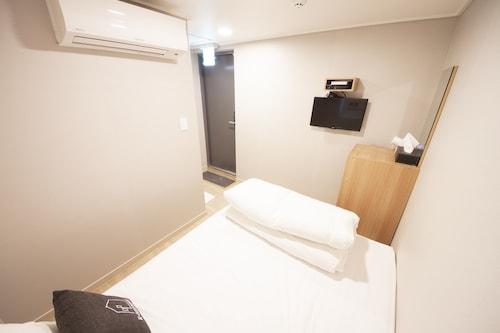 K-Guesthouse Myeongdong 4, Jung