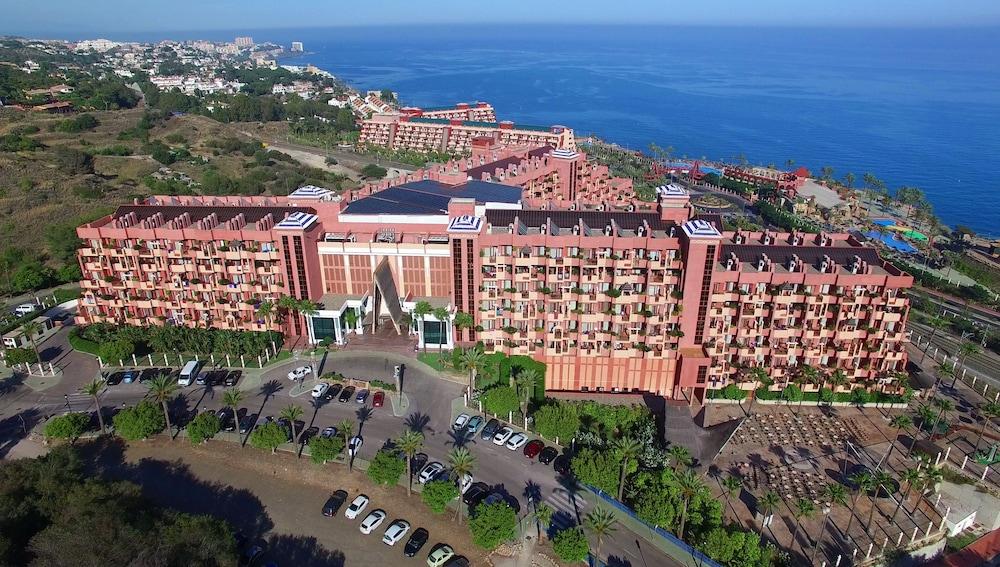 Holiday World Resort, Featured Image