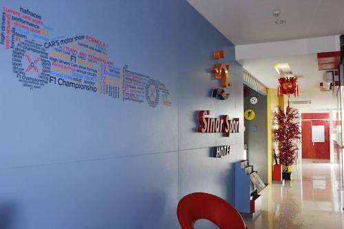 . Sinar Sport Hotel