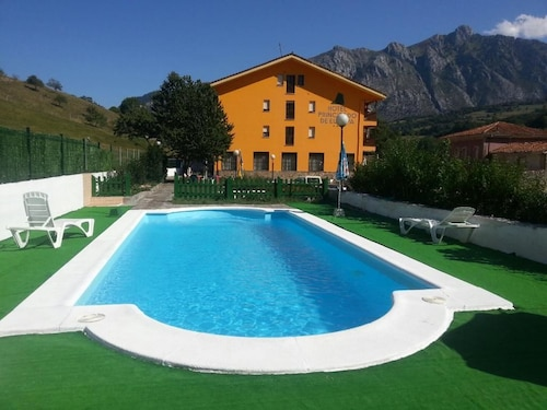 __{offers.Best_flights}__ Hotel Principado de Europa