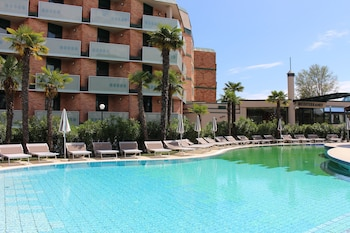 Hotel Mediterranee Family & Spa Hotel - Pool  - #0