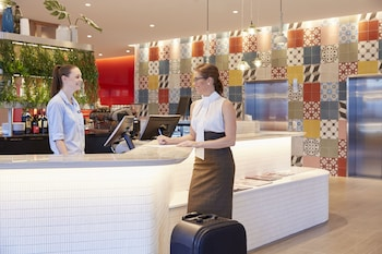 Lobby at Holiday Inn Express Brisbane Central in Spring Hill