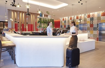 Reception at Holiday Inn Express Brisbane Central in Spring Hill