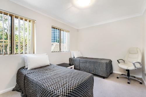 Castle Hill Furnished Apartments, Baulkham Hills - Central