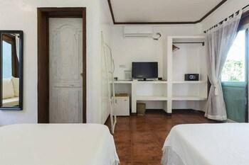 LANTERNA HOTEL BORACAY Room