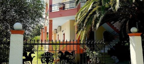 . Villa Helena