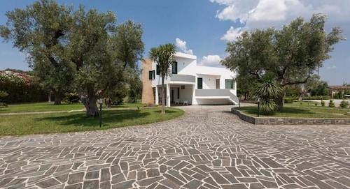 Villa del Contado, Lecce