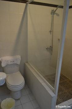 TAGAYTAY ECONO HOTEL Bathroom