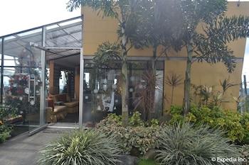 TAGAYTAY ECONO HOTEL Exterior