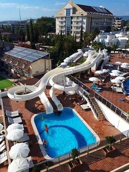 Laguna Beach Alya Resort & Spa Hotel
