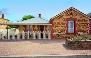 Queen's Cottage Bed and Breakfast Barossa Valley - Hotel Front  - #0