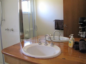 Engadine Cottage - Bathroom  - #0