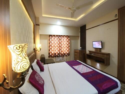 . Hotel JS Regency