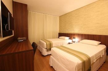 塞拉諾飯店 Hotel Serrano