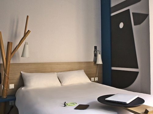 __{offers.Best_flights}__ ibis Styles Moulins Centre
