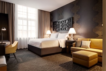 Deluxe King Hearing-Accessible Guest Room
