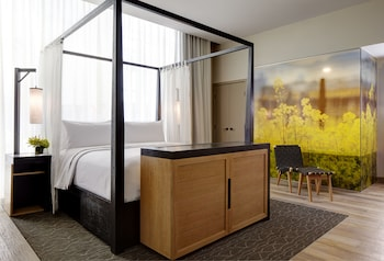 Archer's Den Hearing-Accessible Suite With Balcony + Fireplace