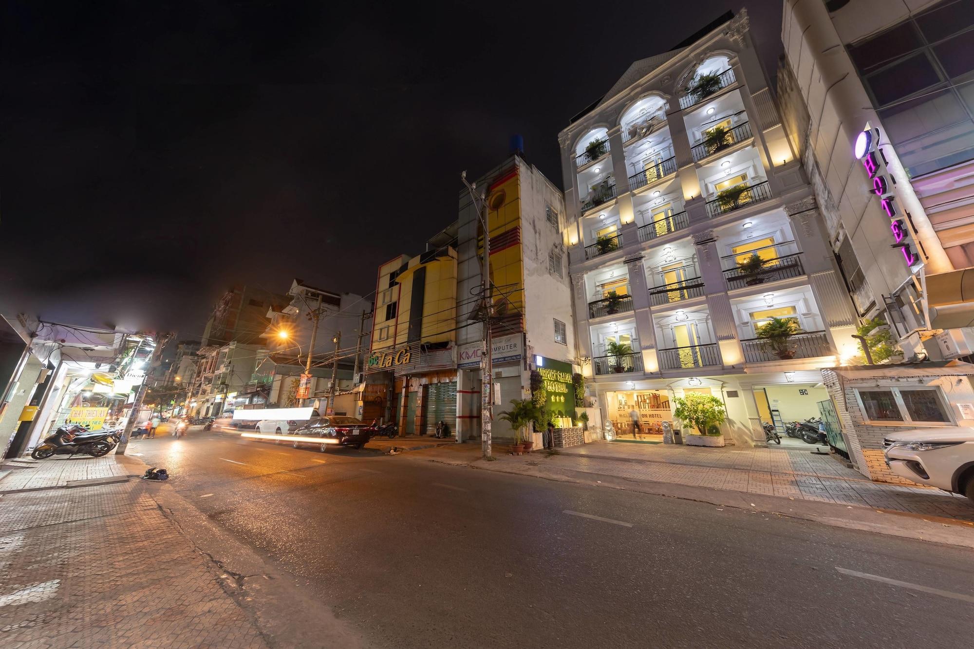 Airport Saigon Hotel, Tân Bình