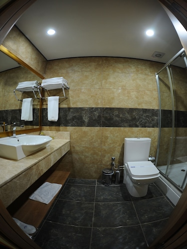 Nice Royal Otel, Maltepe