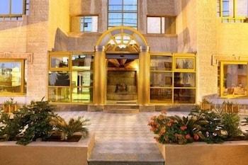 Hotel - Capri Hotel Suites