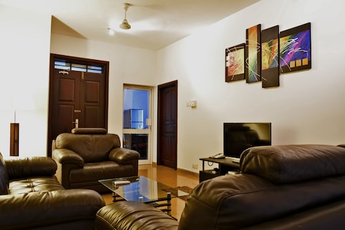 . Panoramic Holiday Apartment / Seagull Complex   Colombo
