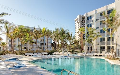 . Plunge Beach Resort