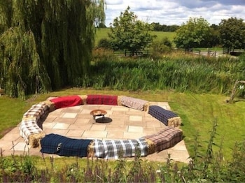 Skipbridge Farm Cottages - Outdoor Wedding Area  - #0