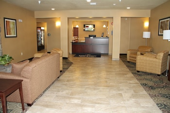Cobblestone Hotel & Suites - Devils Lake - Reception  - #0