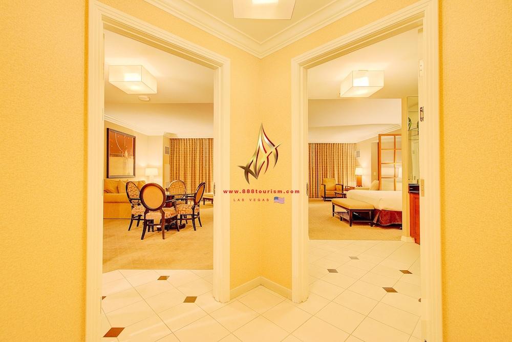 Hotel Signature Suites