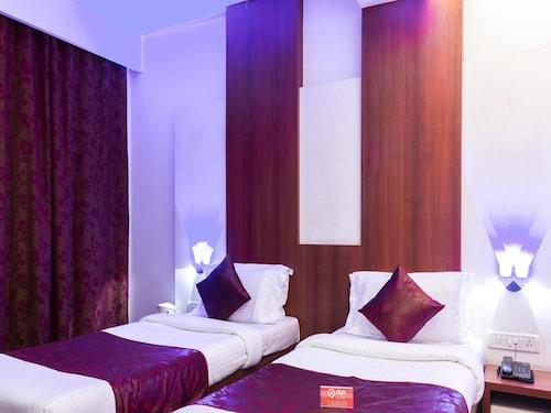 OYO 1239 Hotel Khandesh Residency, Raigarh