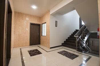 OYO 1881 Apartment Baner - Staircase  - #0