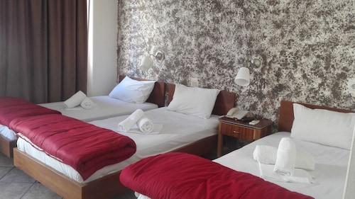 . Hotel Ionion