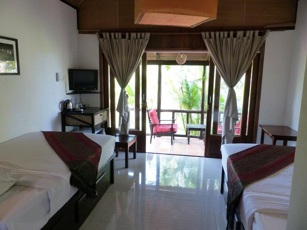 https://i.travelapi.com/hotels/15000000/14770000/14766800/14766789/9452f155_z.jpg