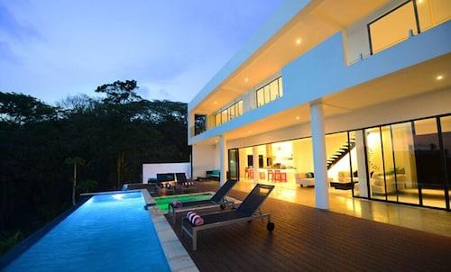 The Marion Villa