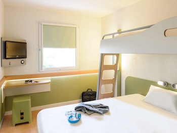 Triple Room, Multiple Beds