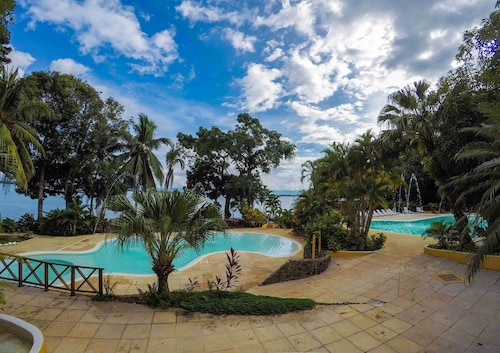 . Banana Palms Hotel