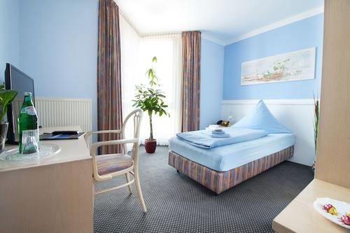Oberhausen - Hotel Zum Eisenhammer - z Krakowa, 16 kwietnia 2021, 3 noce