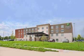 Holiday Inn Express & Suites Omaha Airport photo