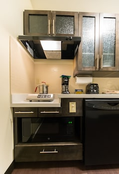 Studio Suite, 1 Queen Bed, Accessible (Communication, Mobility Tub)
