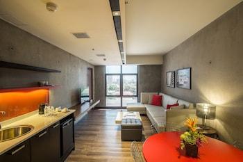 B HOTEL QUEZON CITY Living Area