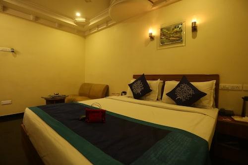 OYO 1599 Hotel Royal Sathyam, Tiruchirappalli