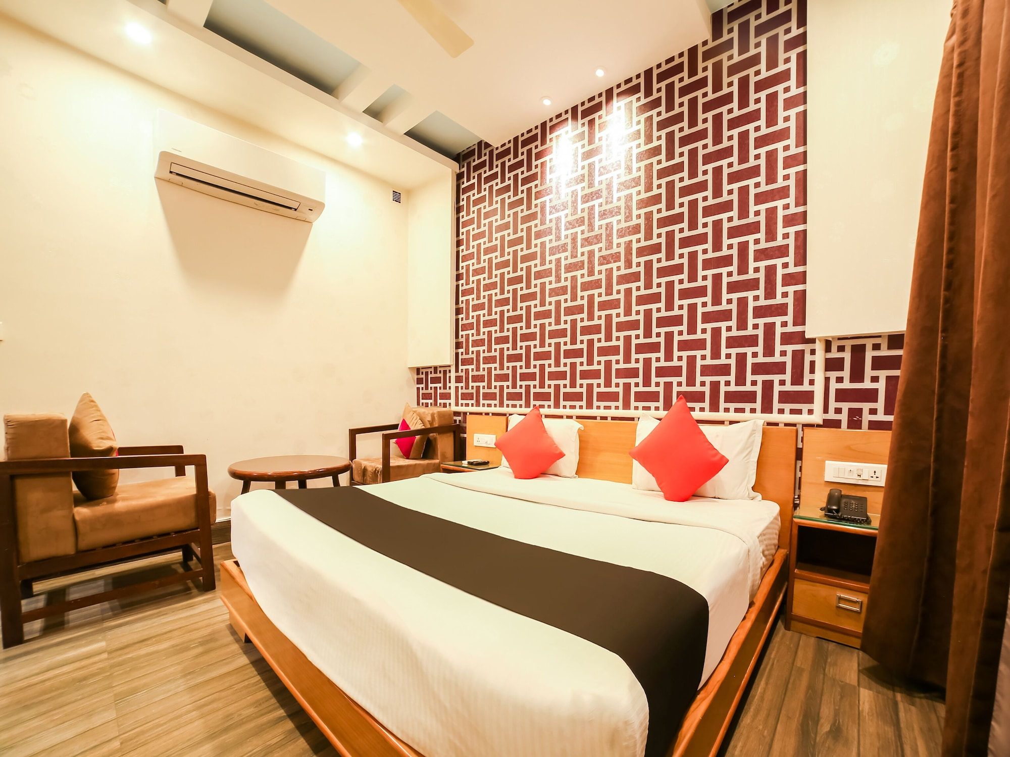 OYO 2361 Hotel Gopi Nath The Grand, Karnal