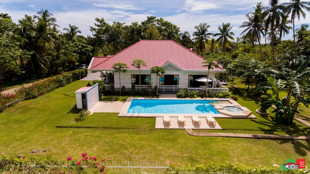 Bohol White House Bed and Breakfast