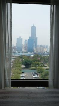 シティスイーツ高雄ピア 2 (城市商旅高雄驳二馆)