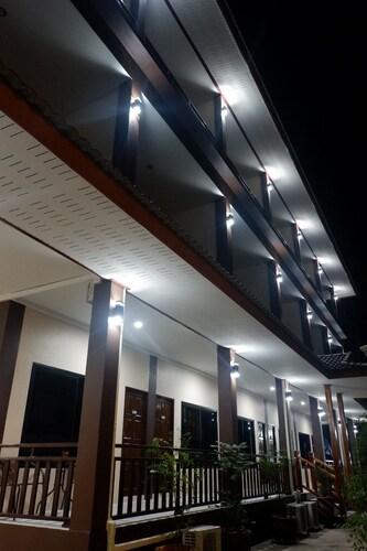 Hug Pua Hotel, Pua
