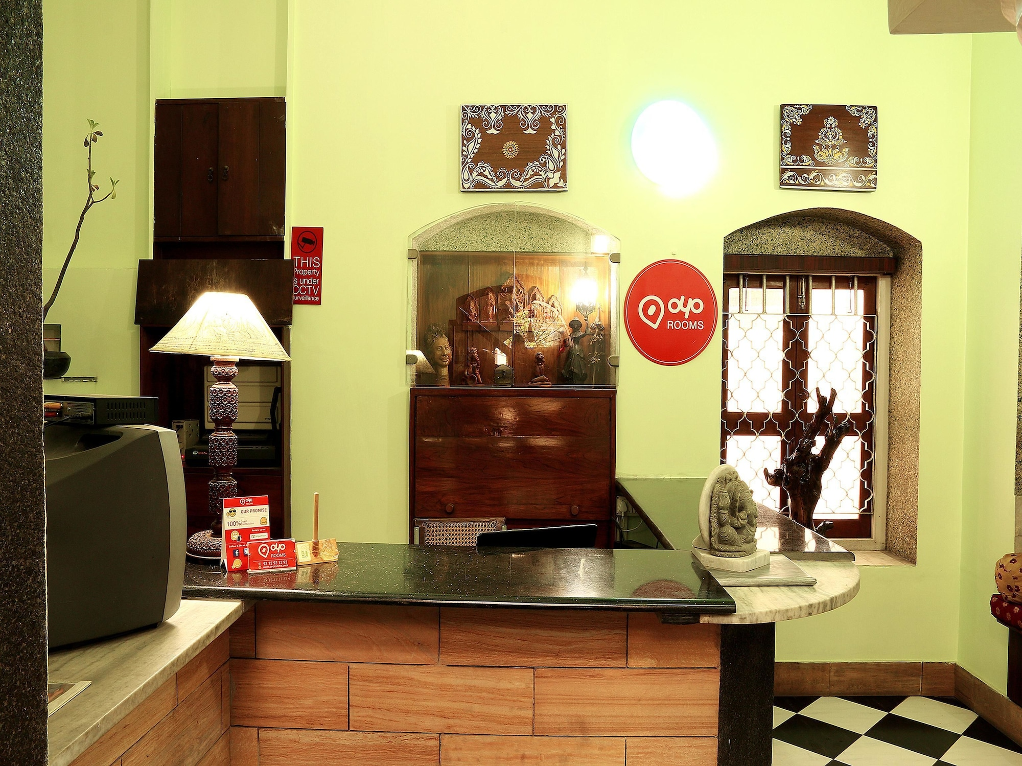 OYO 2967 Bella Vista, Kolkata